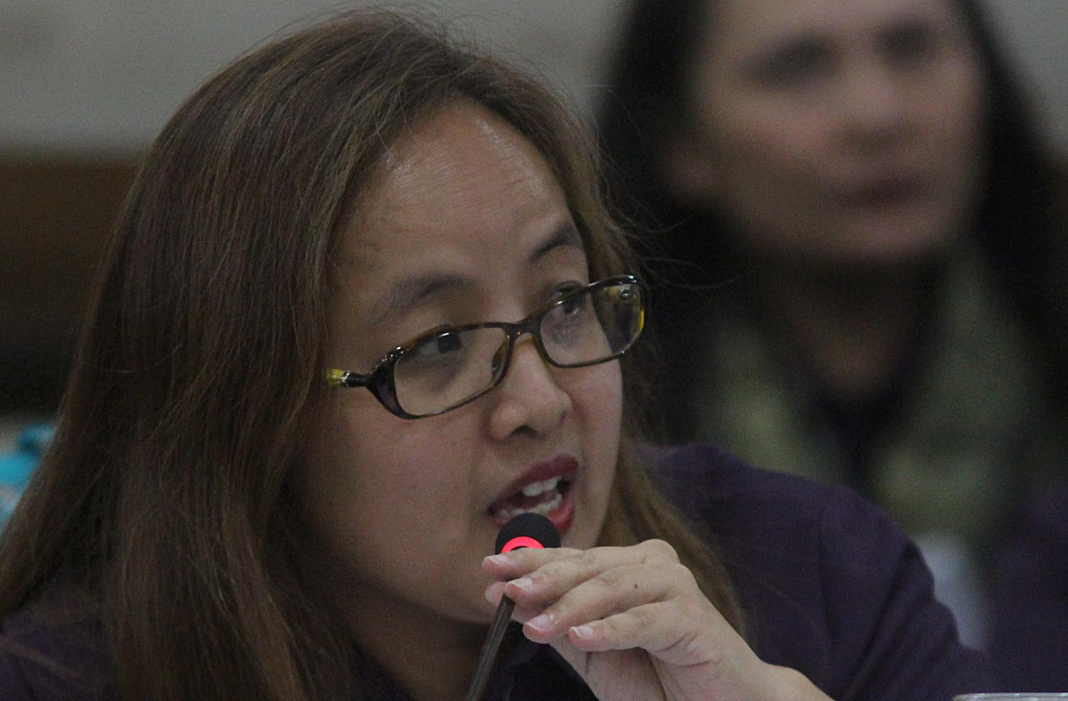 BENEFITS COMMITTEE. Special Committee head Atty Anna-LI Papa-Gombio testifies before the House Committee on Justice on the impeachment complaint against Chief Justice Maria Lourdes Sereno. Photo by Darren Langit/Rappler