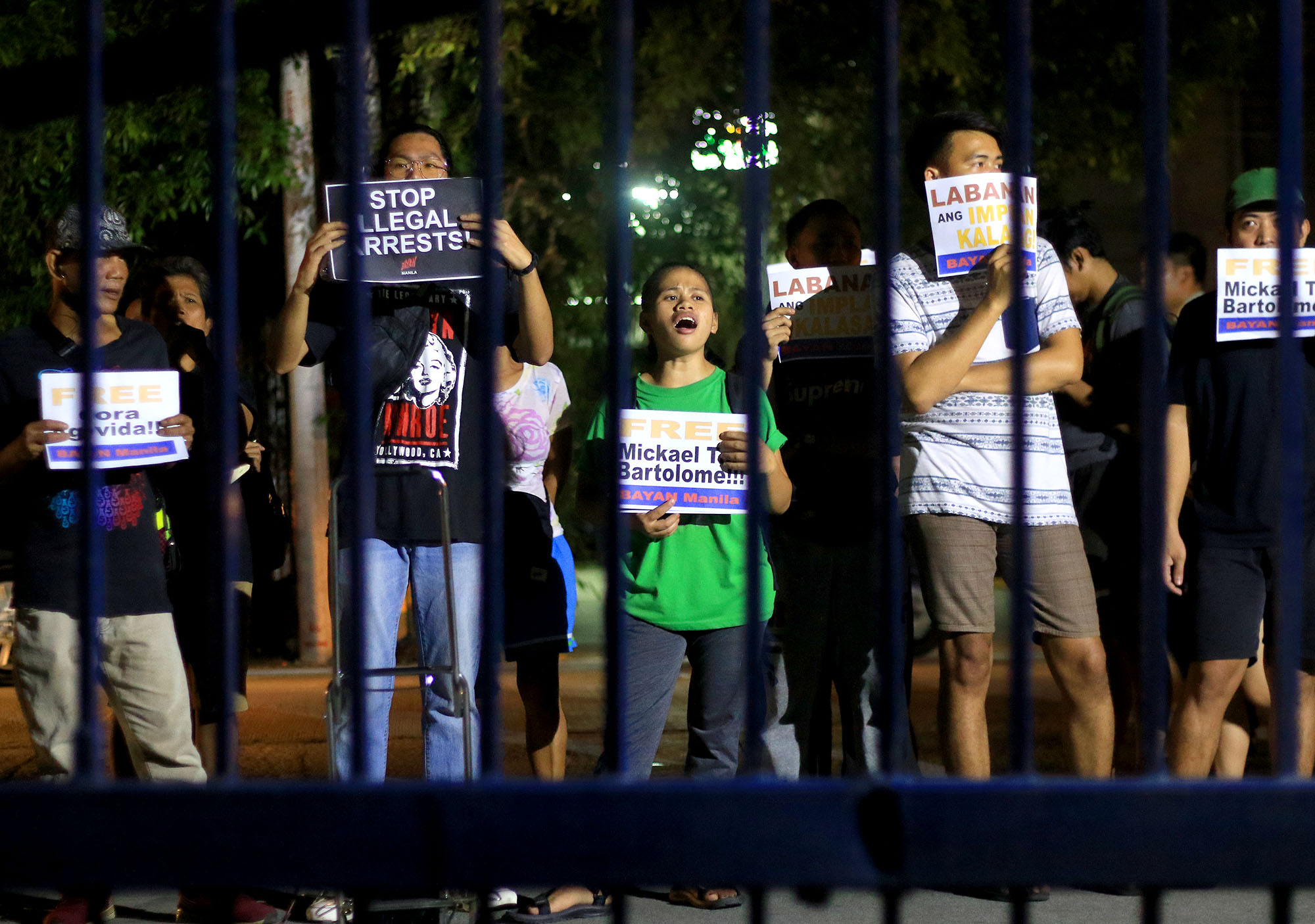 PROTEST. Members of Gabriela and Kadamay picket in front of the headquarters of the Manila Police District. Photo by Inoue Jaena