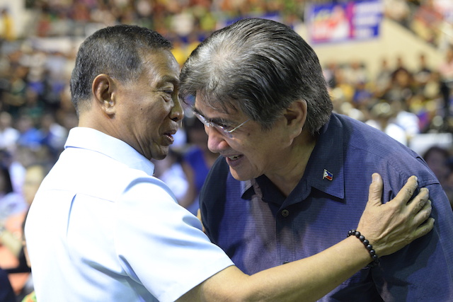 ALLIES. Honasan with Binay during the launch of UNA on July 1. Honasan is the party's vice president. File photo by Alecs Ongcal/Rappler