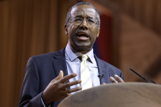 HE'S IN. A file picture dated March 8, 2014 shows Professor Emeritus at Johns Hopkins School of Medicine Dr. Ben Carson speaks at the 41st Annual Conservative Political Action Conference (CPAC), at the Gaylord National Resort and Convention Center in National Harbor, Maryland, USA. Michael Reynolds/EPA