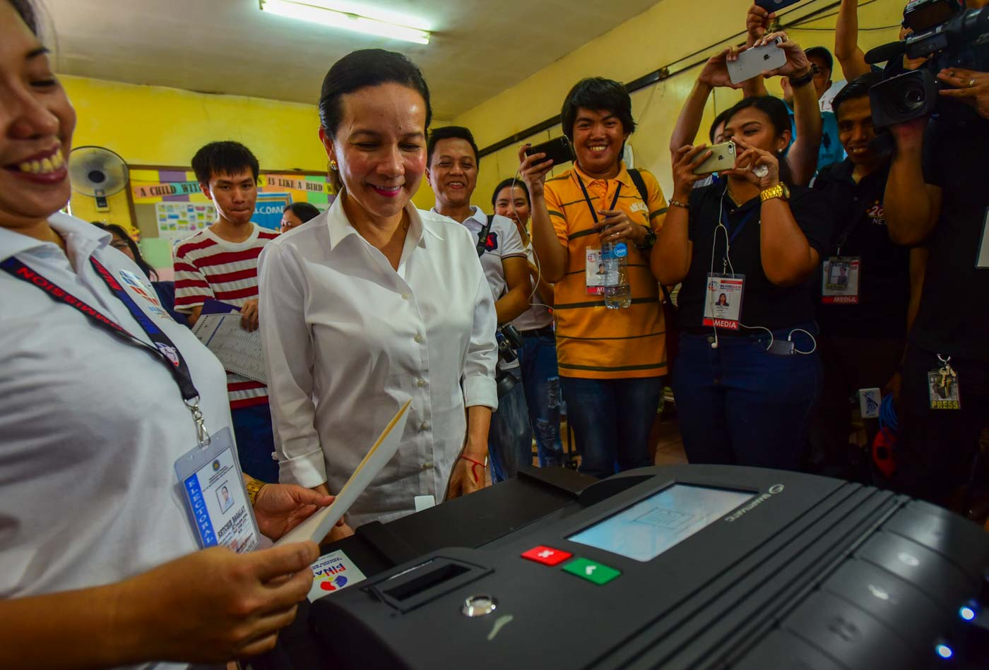 FINALLY. Senator Grace Poe finally casts her vote during the 2019 elections at Santa Lucia Elementary School after a slight delay. Photo by Maria Tan/Rappler