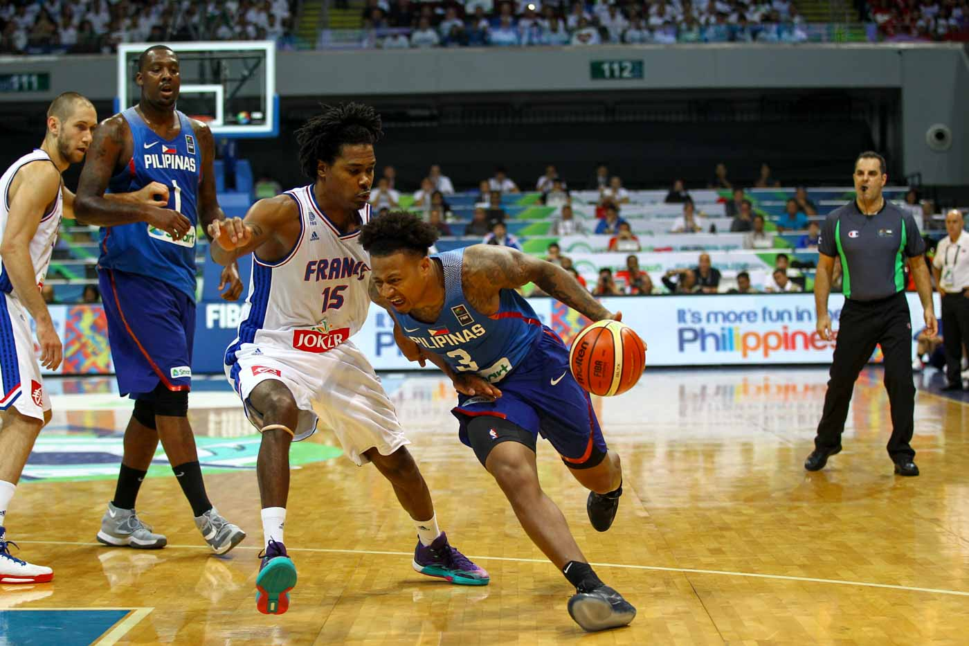 Bobby Ray Parks Jr drives for an and-1 play against France. Photo by Josh Albelda/Rappler