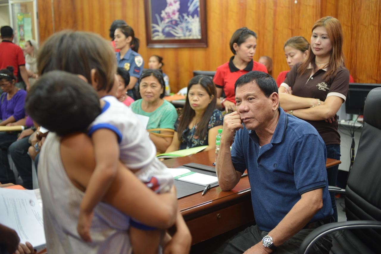 WITH THE PEOPLE. President Rodrigo Duterte records a decline in support among poor Filipinos since he assumed office. File photo by Davao City Government