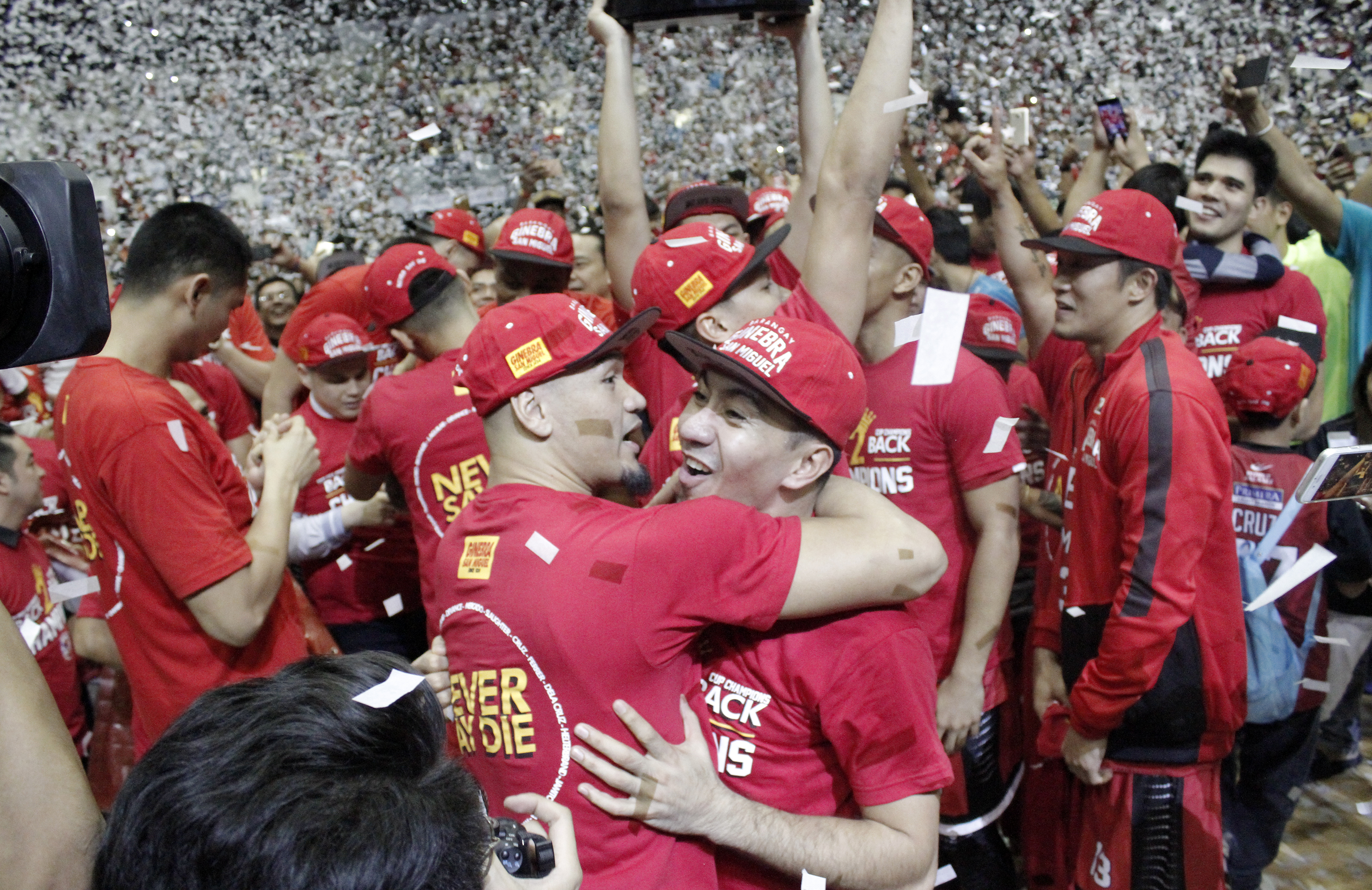 CHAMPIONS AGAIN. Barangay Ginebra once again denies Meralco its first championship. Photo from PBA Images