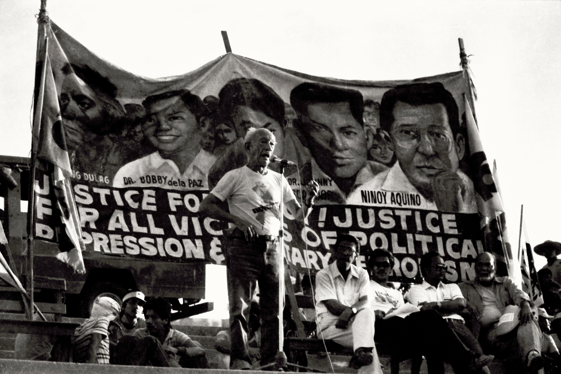 LEADERS. Prominent personalities and progressive politicians then always led the street protests.