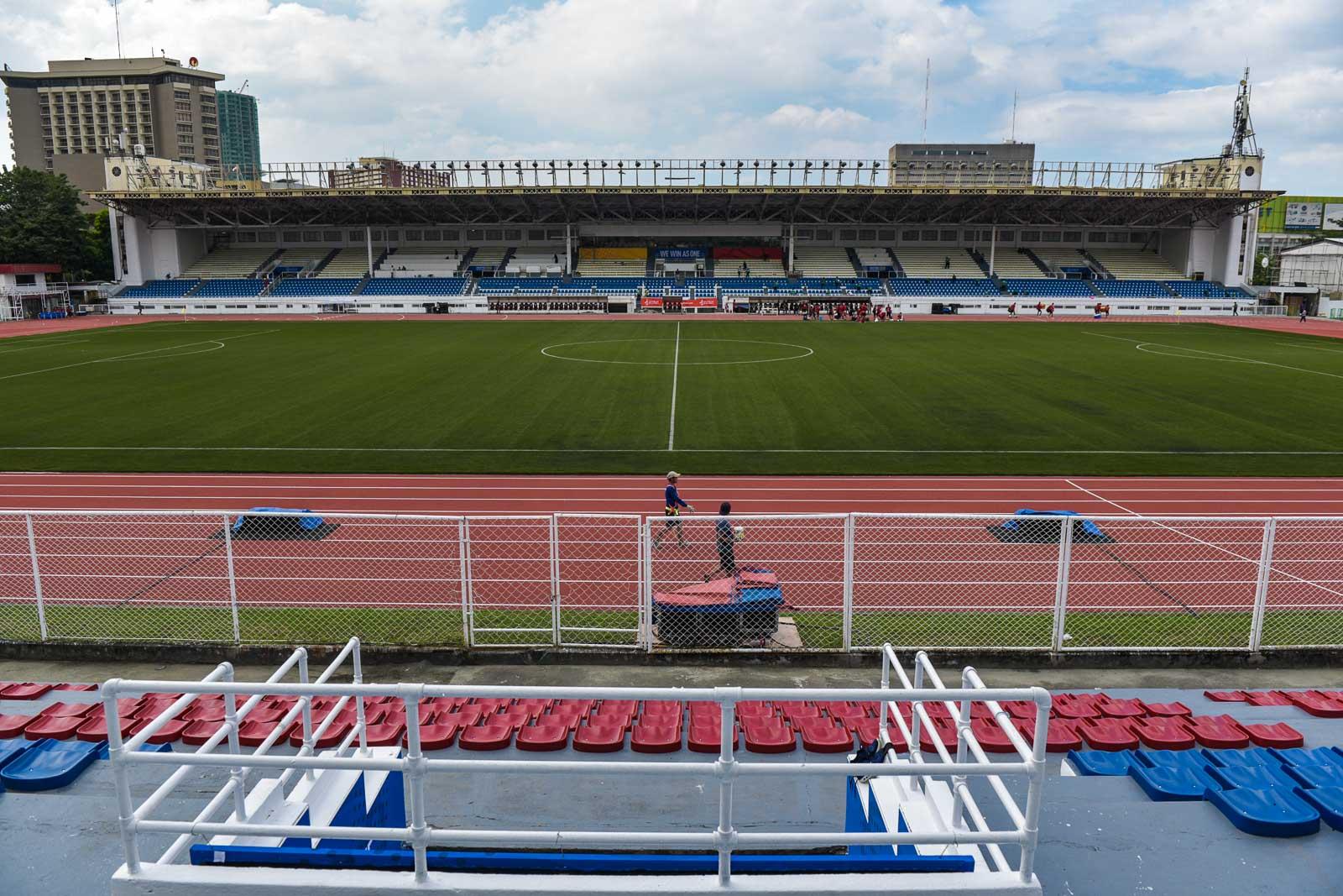 GOOD TO GO. The football field of the Rizal Memorial Stadium looks ready. Photo by LeAnne Jazul/Rappler