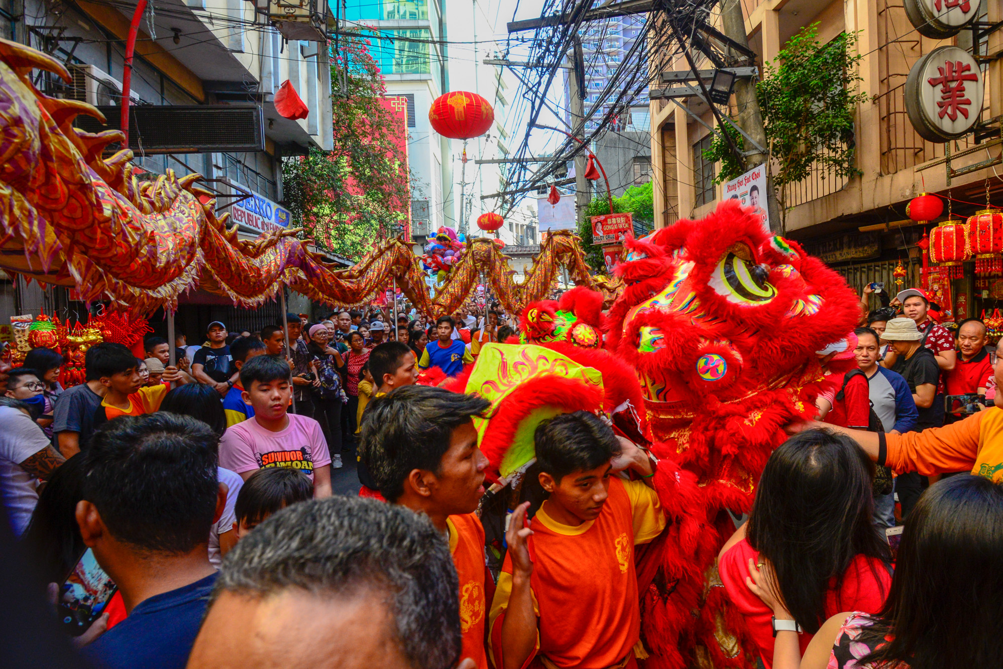 BINONDO. Thousands of people gathered in Binondo, the world's oldest Chinatown, on Tuesday, Feb 5, to witness and take part in the Chinese New Year celebrations. Photo by Maria Tan/Rappler