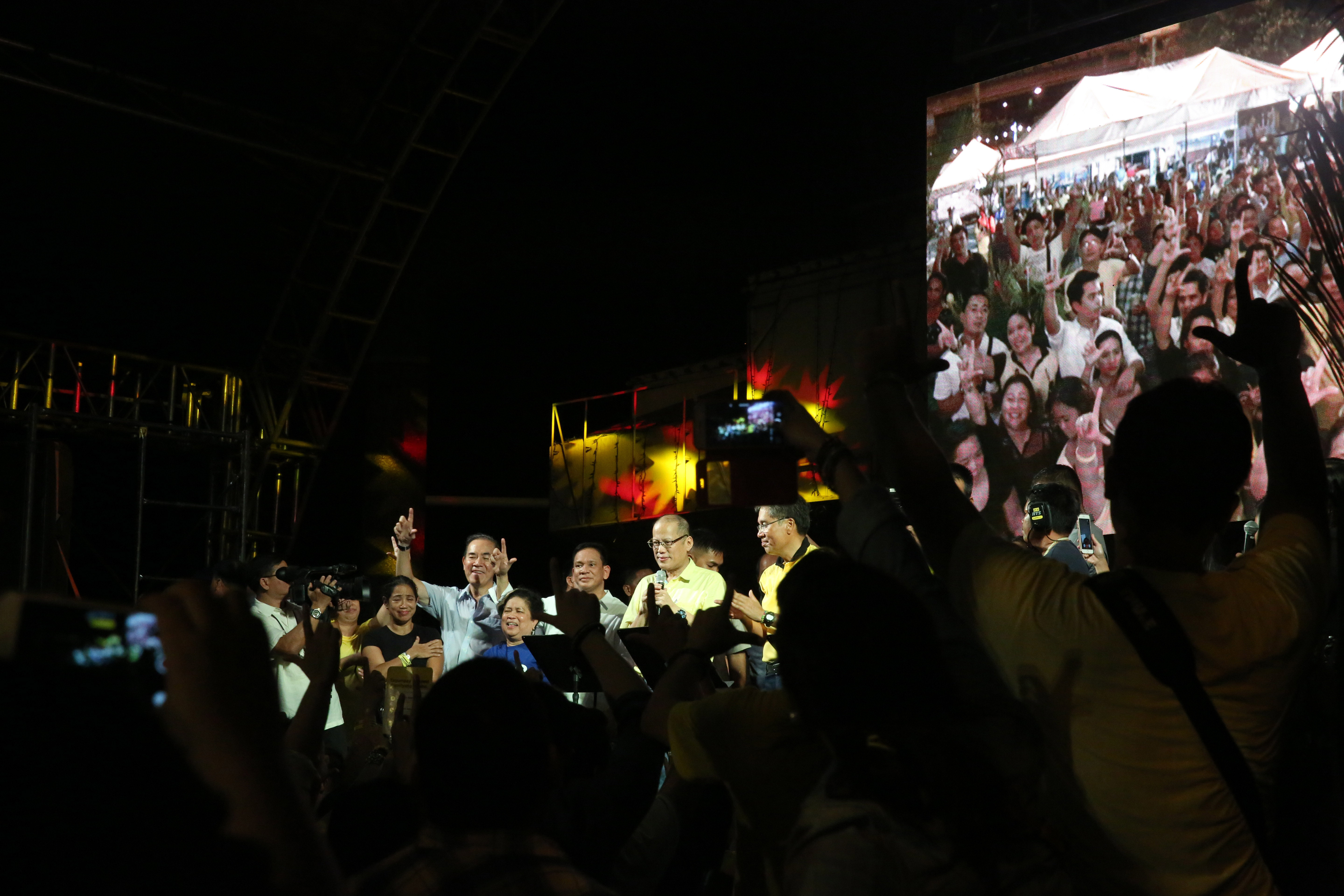 THANKGIVING. President Benigno S. Aquino III joins the celebration of the Liberal Party on Wednesday, June 1, 2016 at the LP Headquarter in Balay, Cubao. The President sang 'Bayan Ko' towards the end of the program. Photo by Gil Nartea/Malacanang Photo Bureau