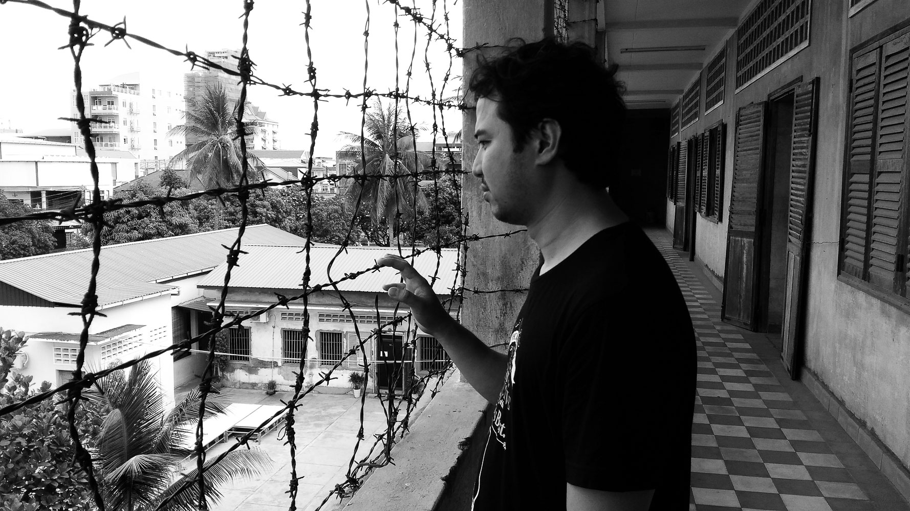 I wonder what the prisoners of Tuol Sleng saw beyond these wires. Is it hope for freedom or their last peek at beautiful sunshine?