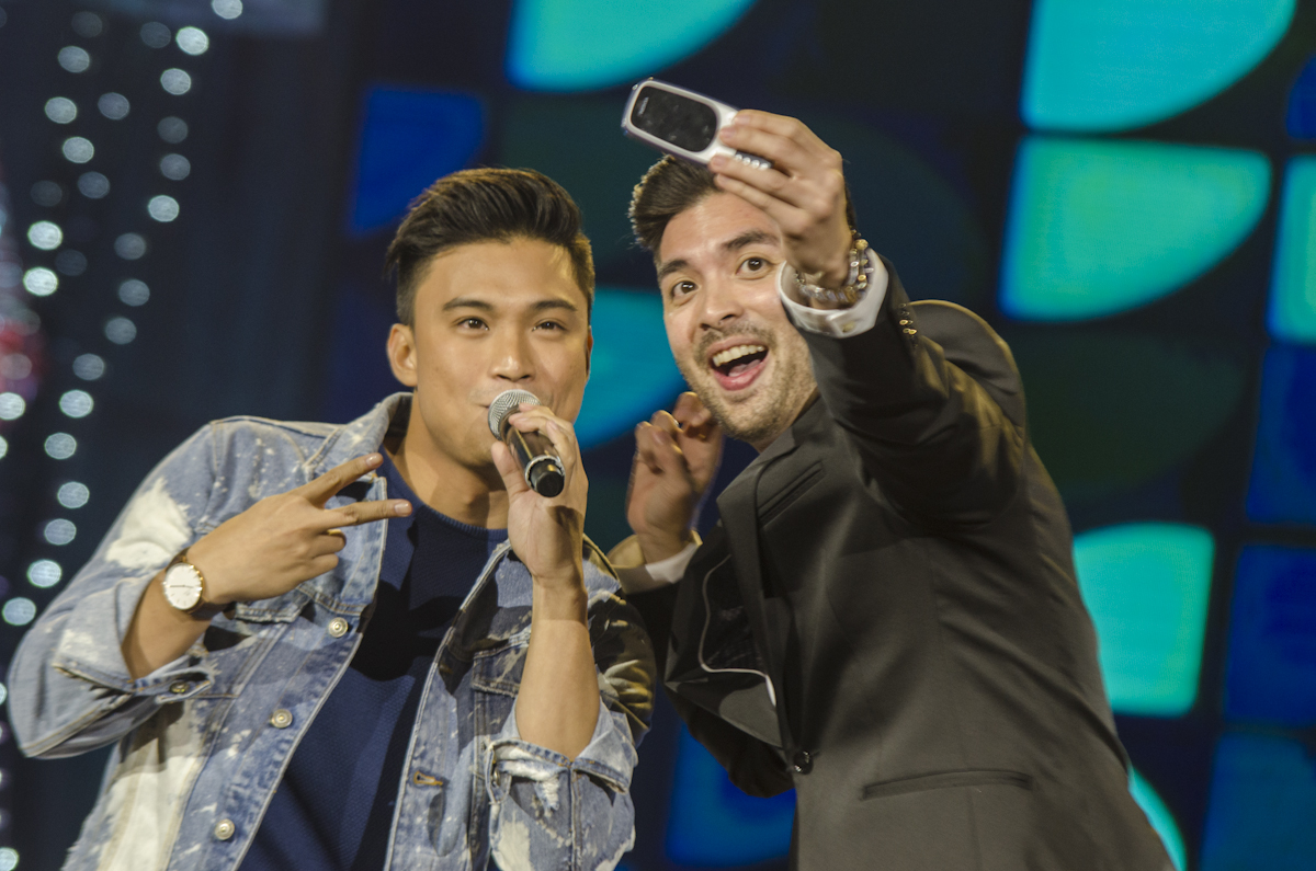 BEST FRIENDS. Edgar Allan Guzman and Joross Gamboa ham for the camera on stage