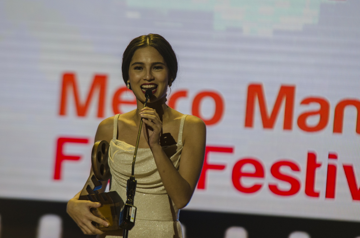 BEST SUPPORTING ACTRESS. Jasmine Curtis-Smith wins for her role in 'Siargao'