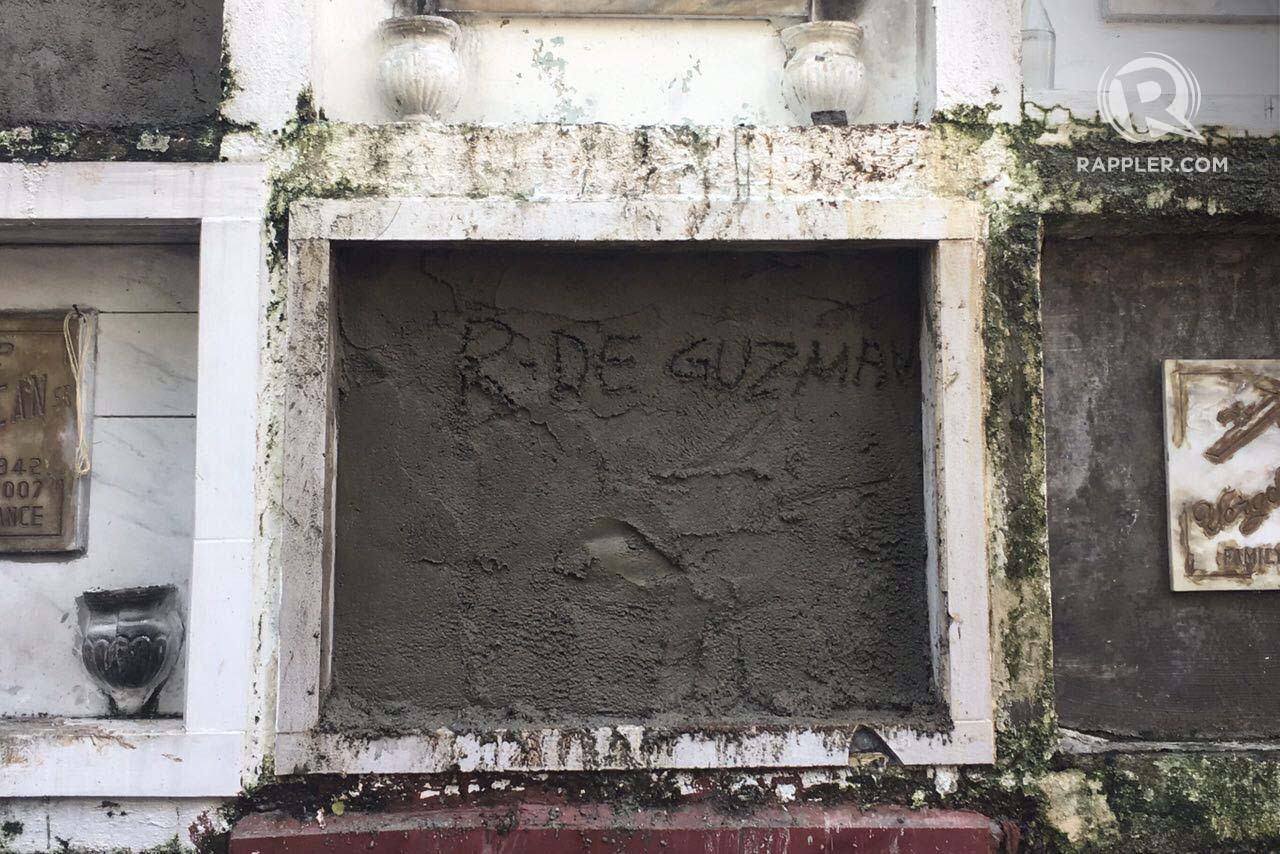 SEALED. R. De Guzman is scribbled on Kulot's crypt. Photo by Eloisa Lopez/Rappler