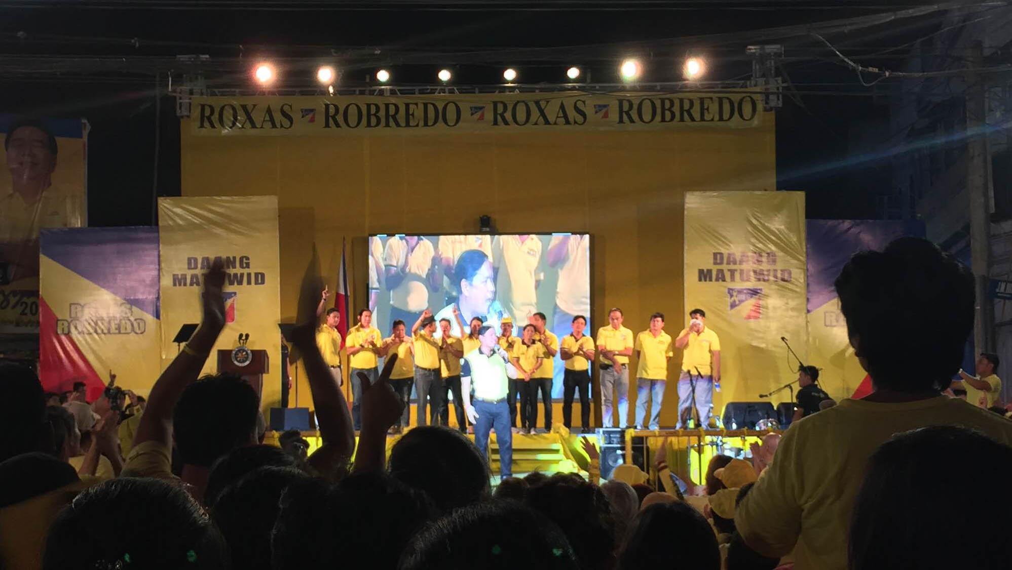 ILOILO MITING DE AVANCE. Liberal Party candidates in Iloilo City on Tuesday, May 3. Photo by Bea Cupin/Rappler