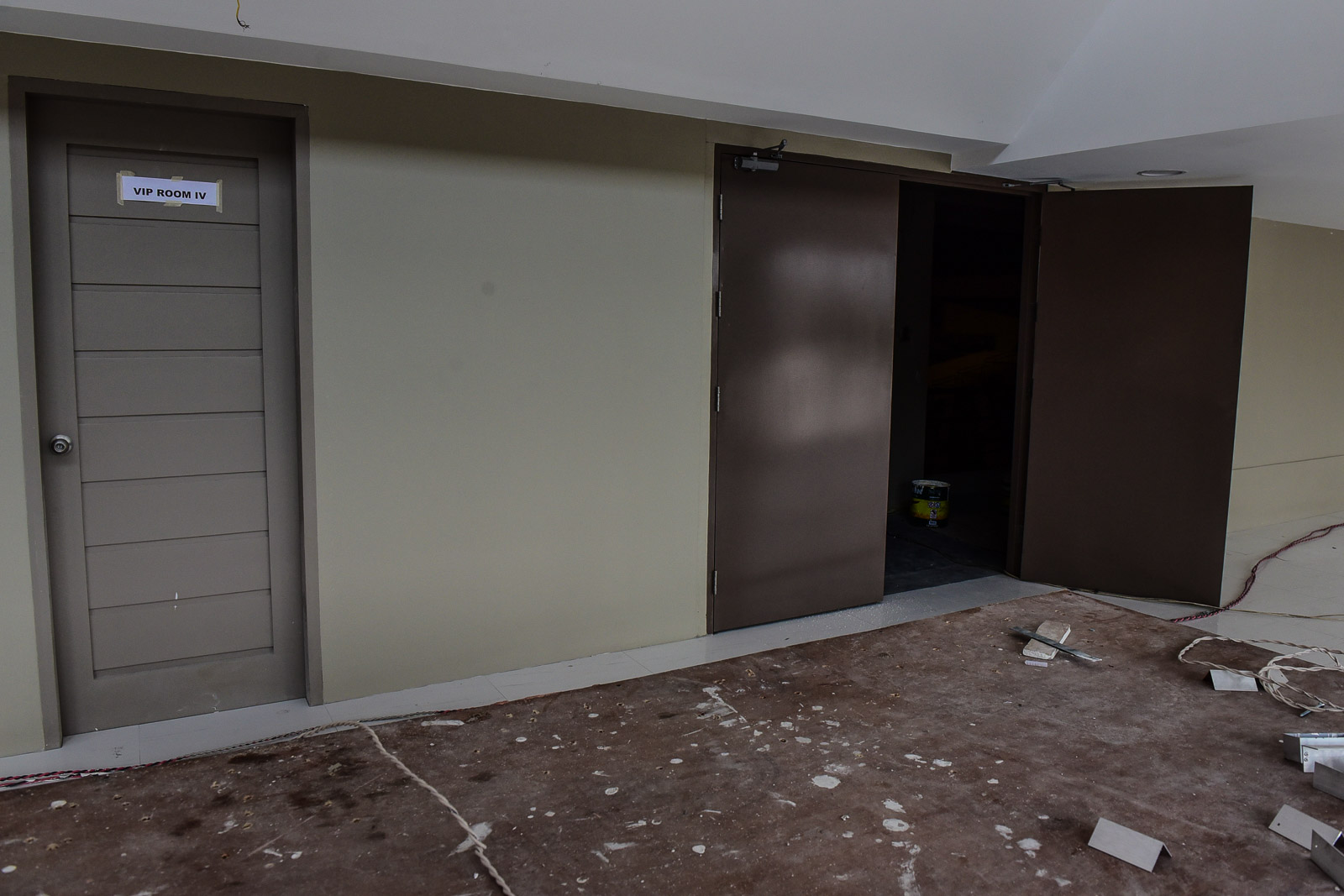 QUICK FIX. There are still ongoing renovations in several rooms, including the VIP area. Photo by LeAnne Jazul/Rappler