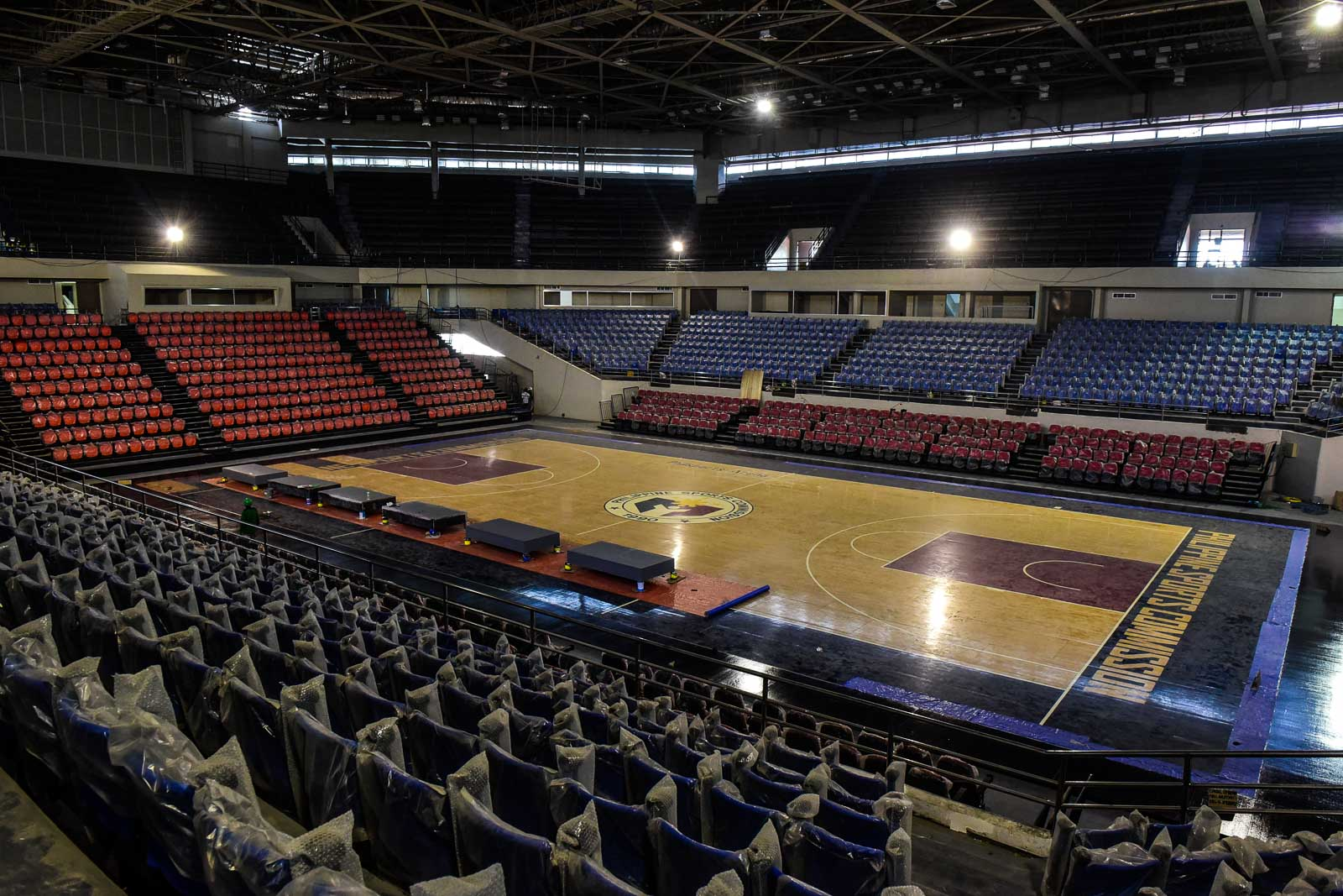 FINAL POLISH. The stadium seats, though, look brand new and the court seems ready for the final touches. Photo by LeAnne Jazul/Rappler