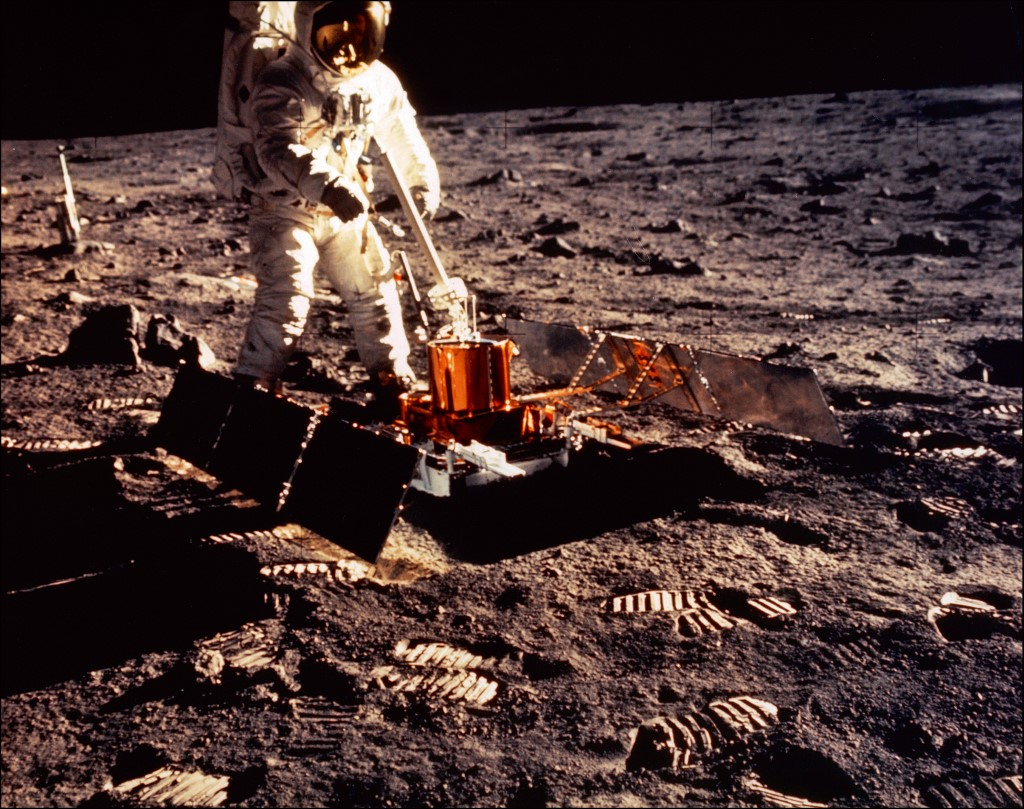 ALDRIN ON THE MOON. Apollo 11 space mission US astronaut Buzz Aldrin is seen conducting experiments with the Passive Experiment Package (PSE) on the moon's surface on a picture taken by Neil Armstrong after both climbed down the ladder of the lunar module u0022Eagleu0022 on July 21, 1969. File photo by NASA/AFP
