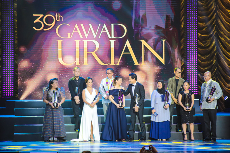 Parade of winners, prior to the Best Film announcement. Photo by Paolo Abad/Rappler