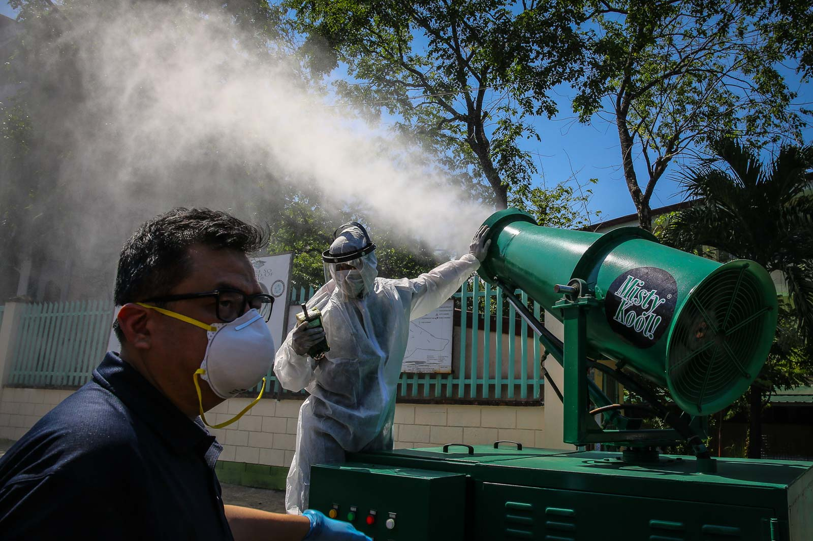 CLEANING. The San Juan local goverment begins disinfection of the San Juan National High School to control the spread of the novel coronavirus on March 9, 2020. Photo by Jire Carreon/Rappler