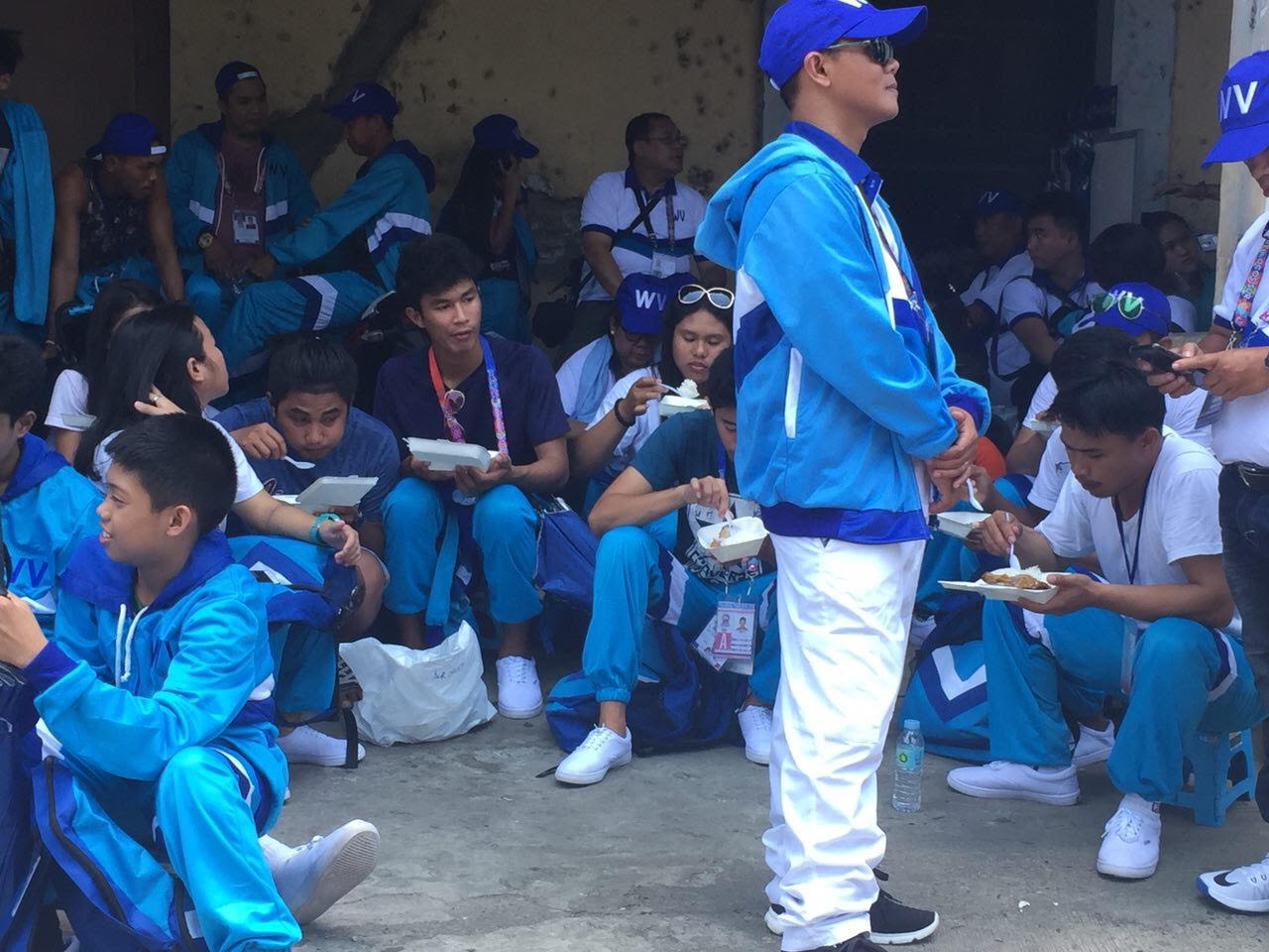 LUNCH TIME. The Western Visayas team eat their lunch just before the parade