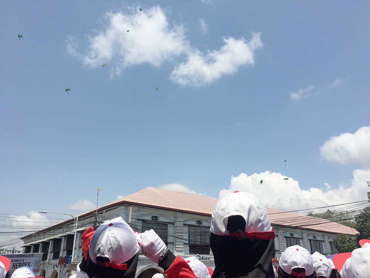 UP IN THE AIR. Paratroopers are seen flying above Vigan during the parade