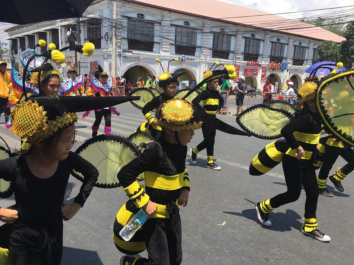 JOLLY BEES. True to their name, the Eastern Visayas Bees dressed up as their team mascot