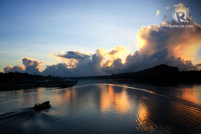 SILENCE. Spectacular sunrise in Sanga-Sanga Channel from the bridge connecting Bongao and Sanga-Sanga. All photos by Glen Santillan