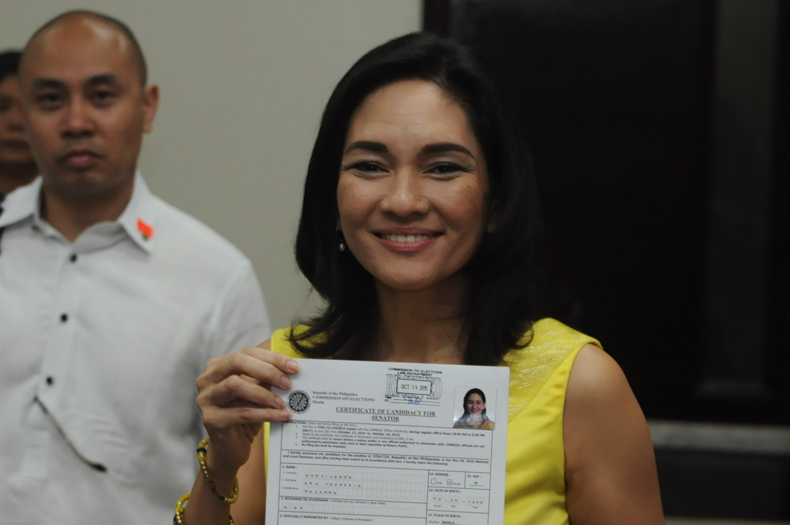 THIRD TRY. Risa Hontiveros files her COC for senator at COMELEC on the third day of filing of certificate of candidacy. Photo by Jansen Romero/Rappler