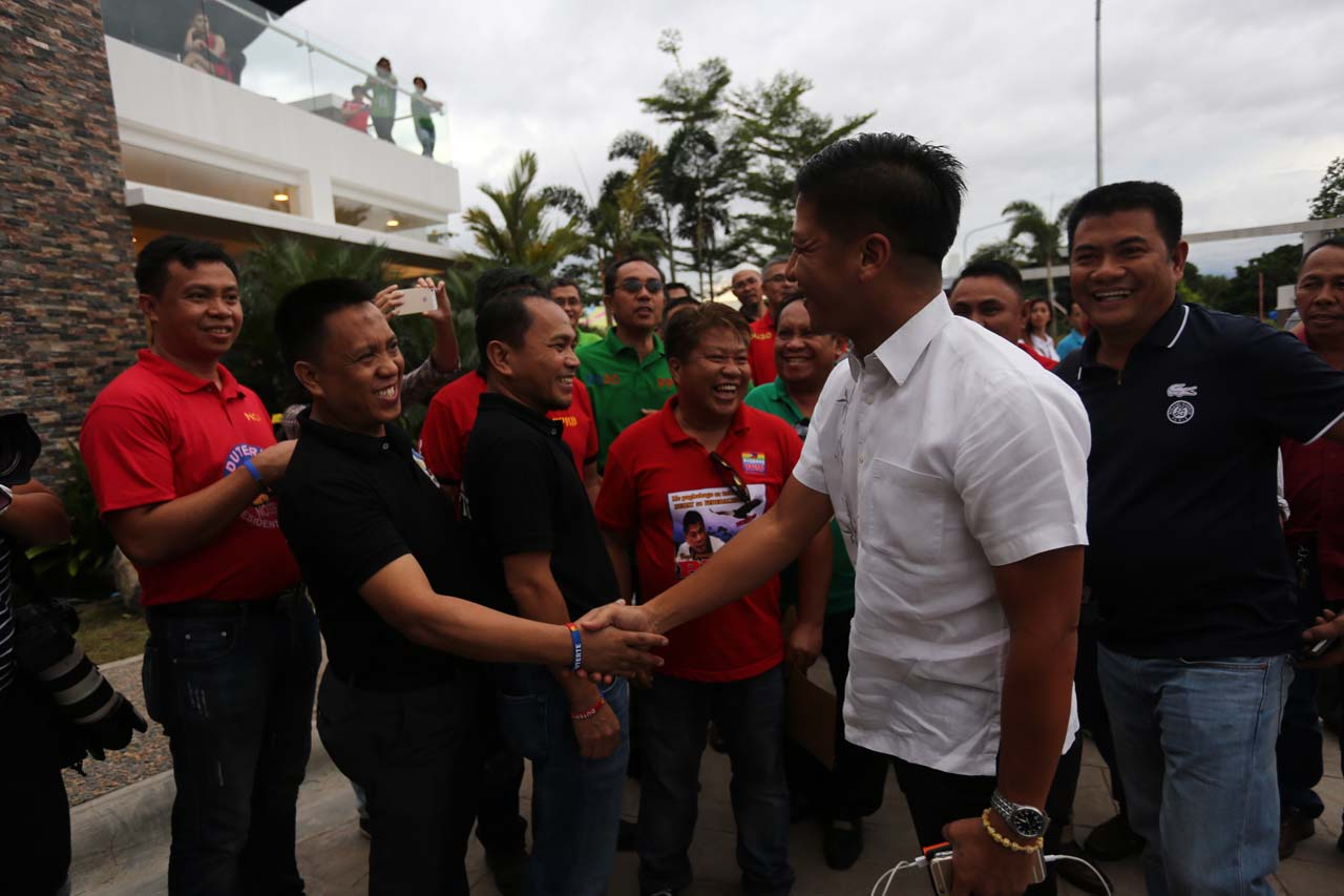 VISITORS. Batangas Vice Governor Mark Leviste arrives at the Matina Enclaves clubhouse to congratulate President-elect Rody Duterte. Photo by Manman Dejeto/Rappler