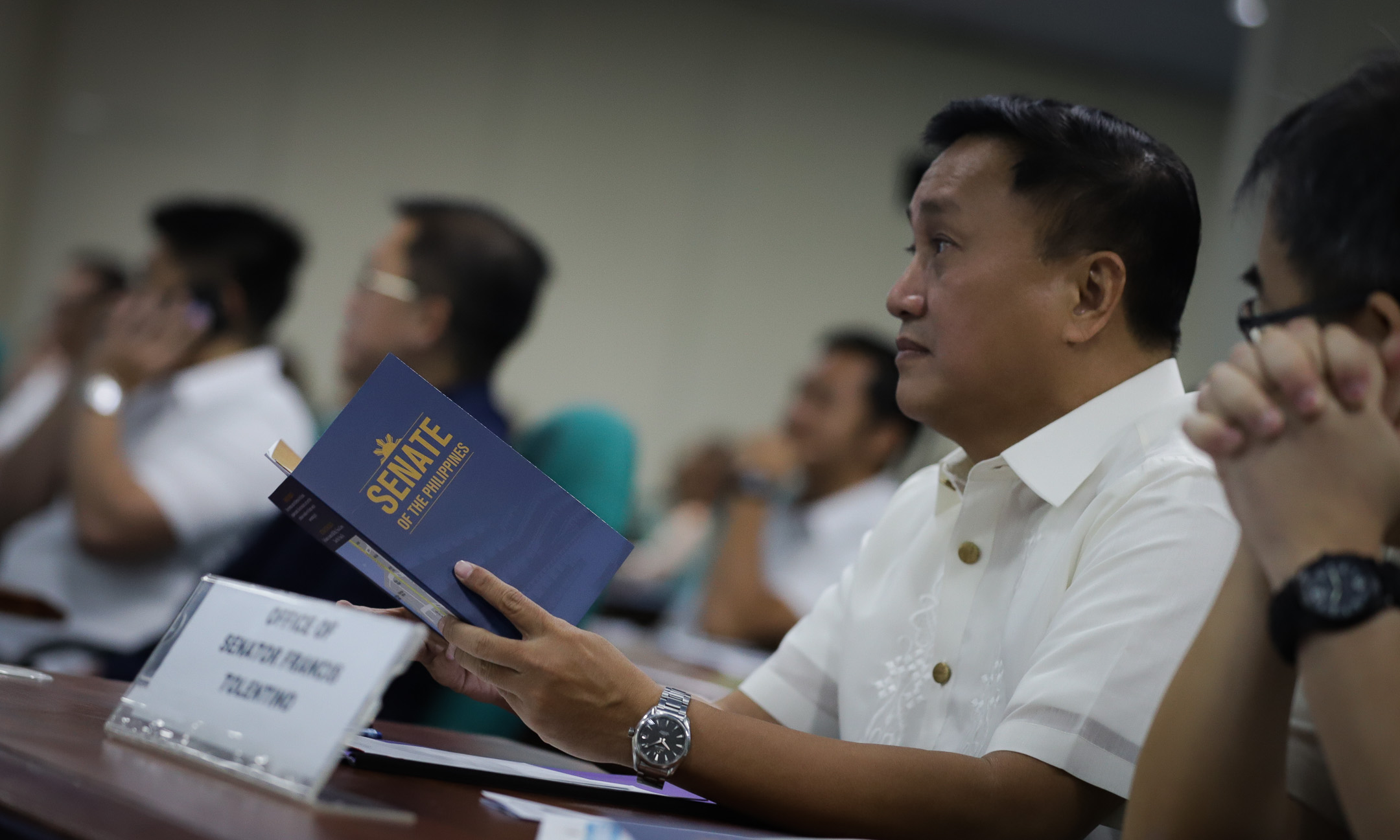 EARLY BIRD. Senator-elect Francis Tolentino is the first to arrive at the briefing for  neophyte senators on June 25, 209. Photo by Jospeh Vidal/Senate PRIB