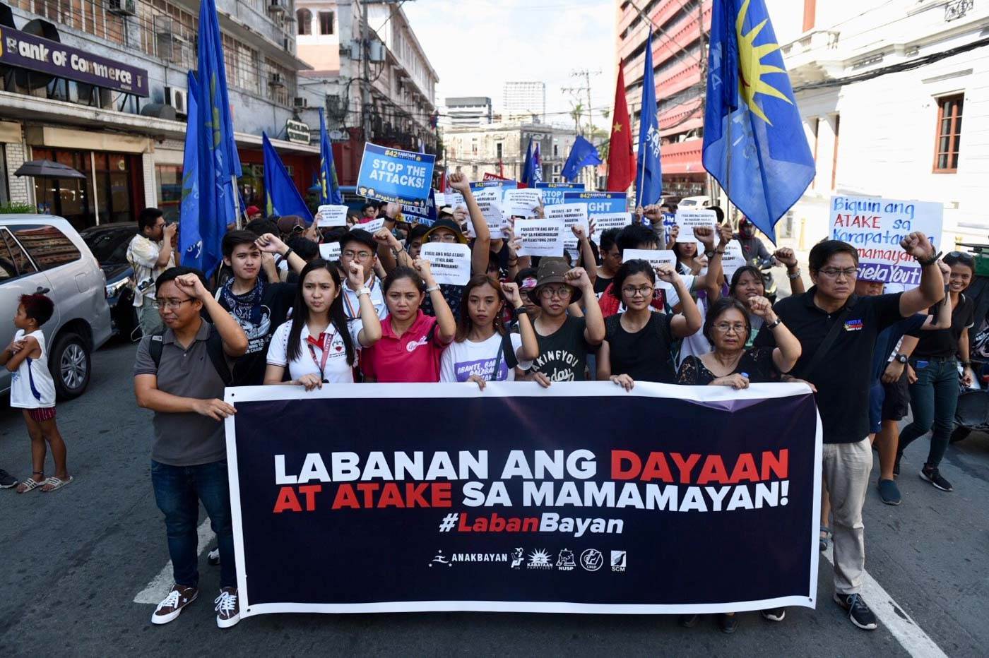 COMELEC PROTEST. Partylist and militant groups troop the Comelec office in Manila to protest perceived election fraud on May 14, 2019. Photo by LeAnne Jazul/Rappler