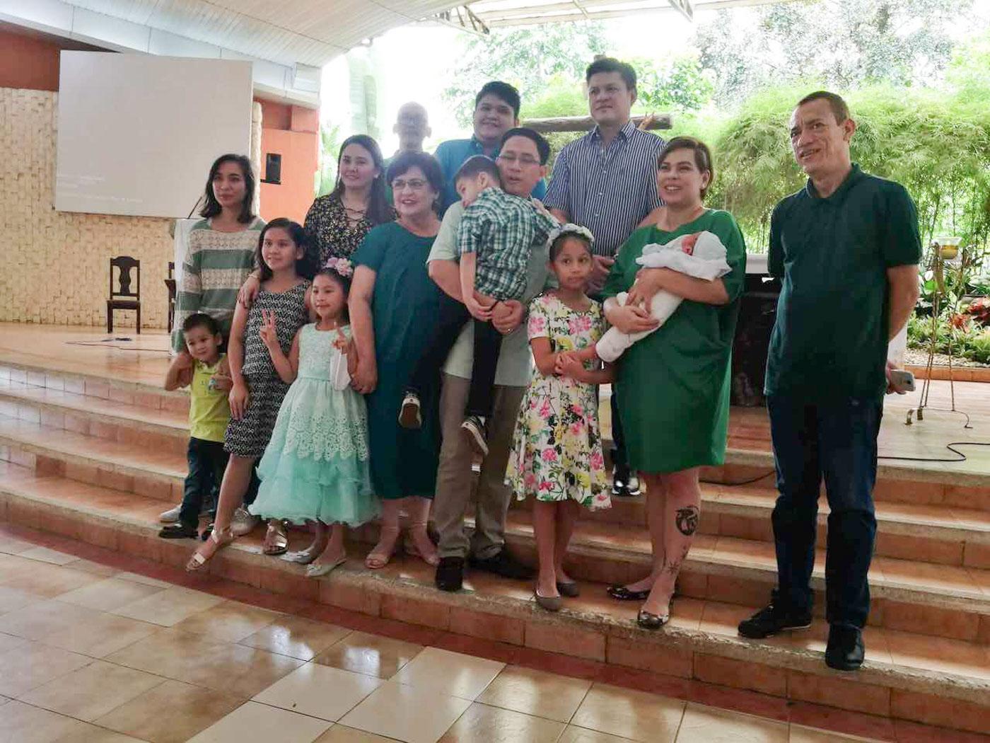 DUTERTE FAMILY. President Rodrigo Duterte's former wife Elizabeth Zimmerman poses with her children and grandchildren. Photo from Jefry Tupas/Davao CIO