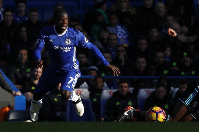 Pindah dari Leicester City, Kante kembali meraih gelar juara Liga Primer bersama Chelsea musim ini. Foto oleh Adrian Dennis/AFP