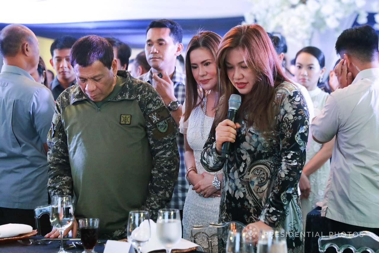 BIRTHDAY PARTY. President Duterte hosts the birthday celebration and PDP-Laban oath-taking ceremony of his friend Marinduque Representative Allan Lord Velasco. Malacau00f1ang photo