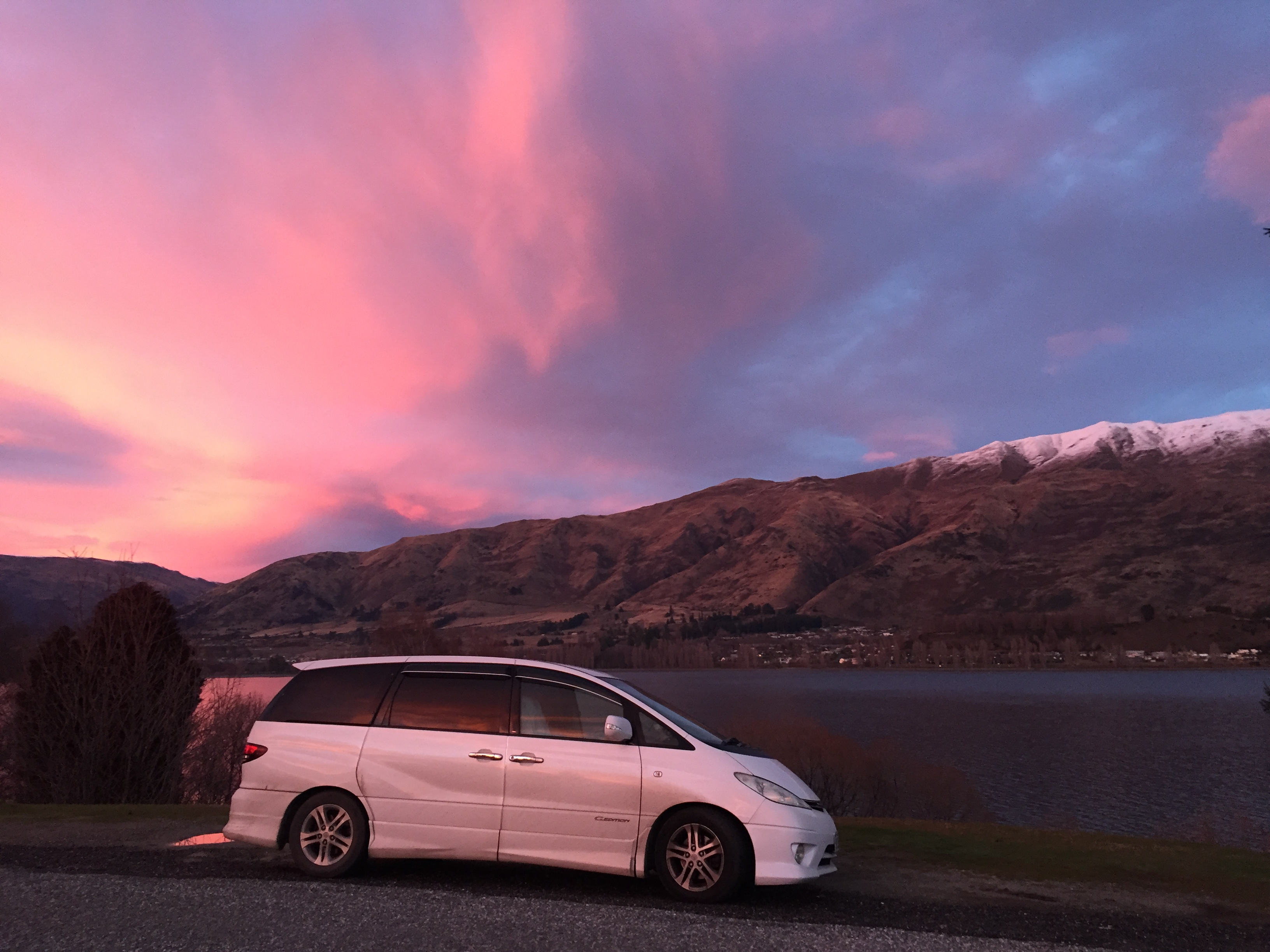 The sunset at Wanaka camp site
