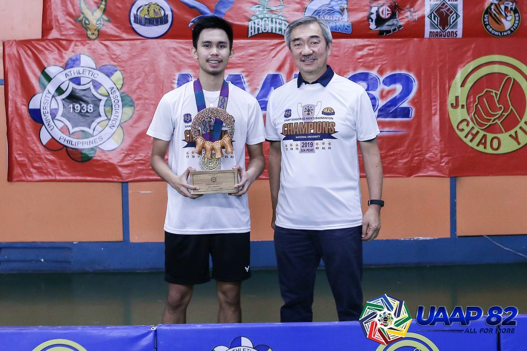 PROMISING. Solomon Padiz Jr, with NU school owner Hans Sy, bags the Rookie of the Year honor. Photo release