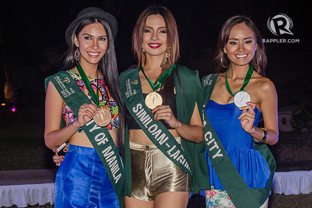 THE TOP 3. These ladies bagged the 3 prizes of the night. Photo by Rob Reyes/Rappler
