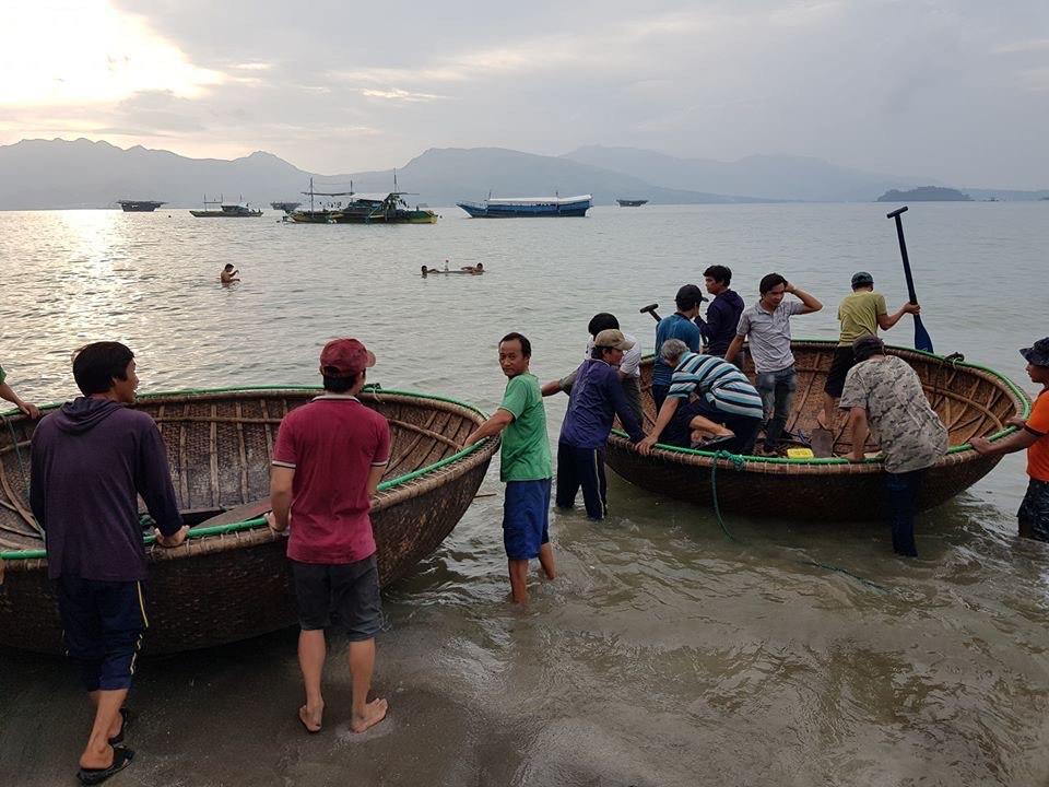 MAROONED. The Vietnamese fishermen stranded in Subic, Zambales. Photo by Olongapo City Public Information