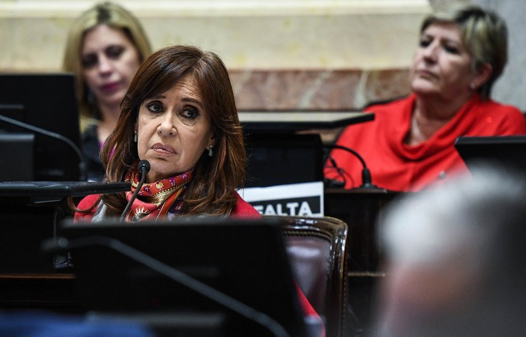 KIRCHNER. This handout photo released by the Argentinian Senate's press office shows Argentina's former President and Senator Cristina Fernandez de Kirchner (L) debating the bill to legalizing abortion at Congress in Buenos Aires on August 9, 2018. AFP PHOTO / ARGENTINIAN SENATE'S PRESS OFFICE / CHARLY DIAZ AZCUE