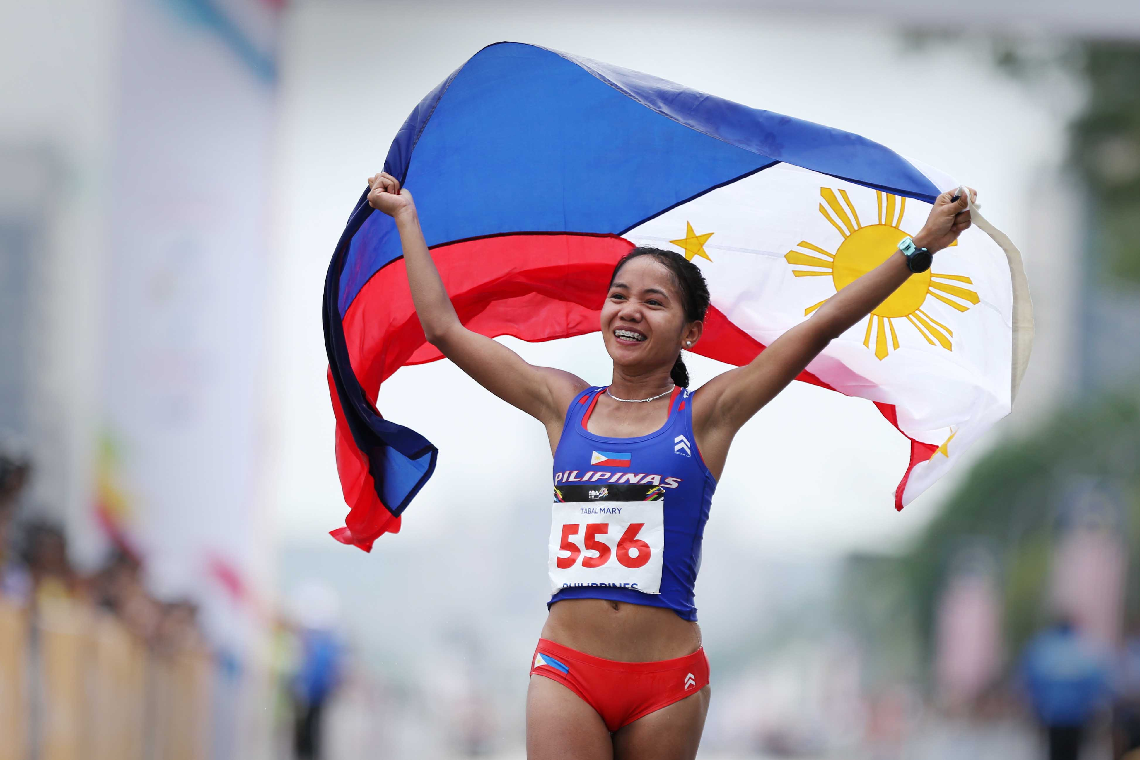 FIRST GOLD. Marathoner Mary Joy Tabal delivers first gold for the Phillipines at 2017 SEA Games. Photo from PSC/POC Pool