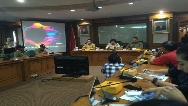 Menteri Siti Nurbaya mengadakan konferensi pers mengenai kebakaran hutan di Indonesia. Foto oleh Amelia Stephanie.