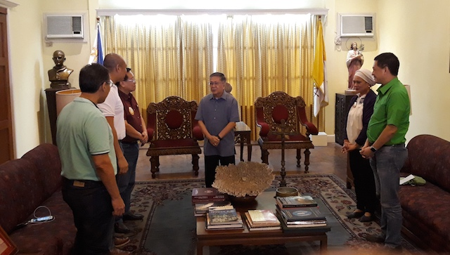 MEETING. Some of the opposition senatorial candidates in a closed door meeting with Archbishop Jose Romeo Lazo of the Archdiocese of Jaro, Iloilo in Iloilo City on Friday, January 11, 2019. Photo by Marchel P. Espina