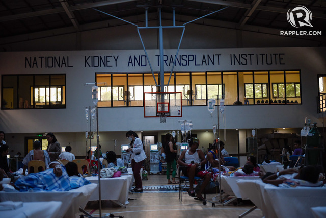 LEPTO WARD. The basketball gym of the NKTI is now the hospital's leptospirosis ward. Photo by Maria Tan/Rappler