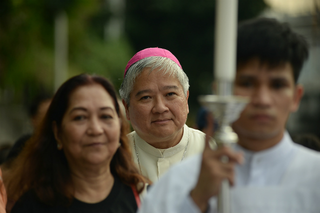 EDSA VETERAN. Lingayen-Dagupan Archbishop Socrates Villegas returns to EDSA on November 5, 2017, for a Mass and procession against drug war killings under President Rodrigo Duterte. Photo by Maria Tan/Rappler