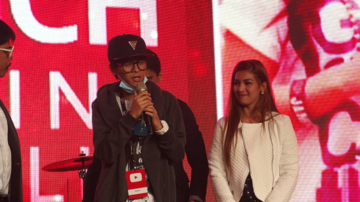 THANK YOU. Jam Sebastian and Paolinne Michelle Liggayu thanked their followers during the YouTube event. All photos by Alexa Villano/Rappler