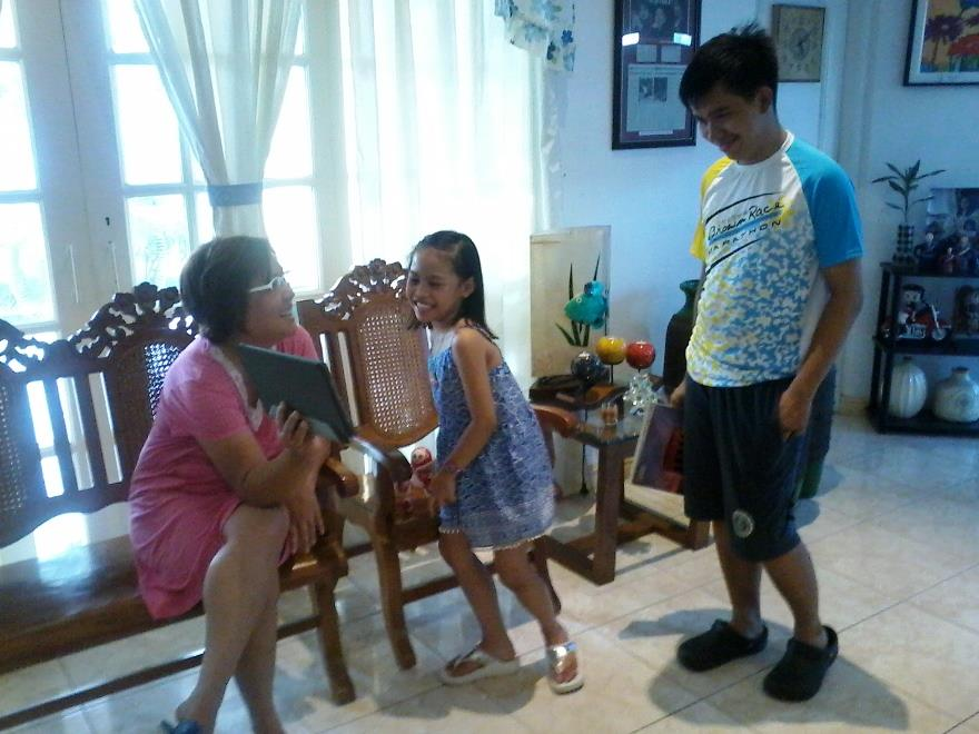 GRANDMA. De Lima with her granddaughter and nephew. Photo from De Lima family
