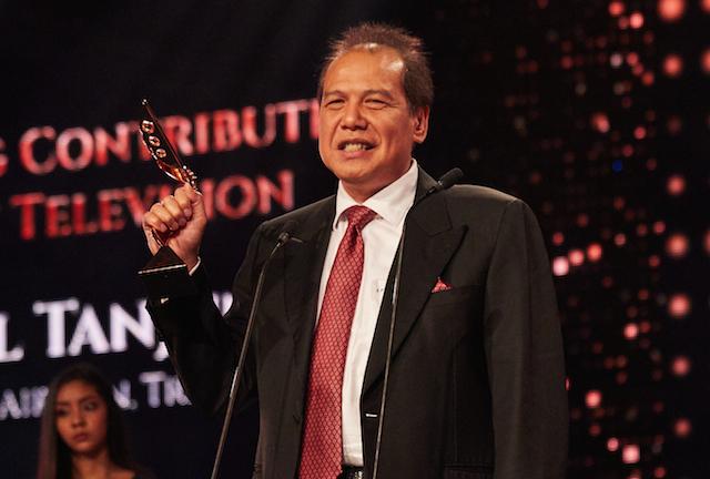 CHAIRUL TANJUNG. Piala kategori Award for Outstanding Contribution to Asian Television jadi milik Chairul Tanjung. Foto dari Asian Television Awards