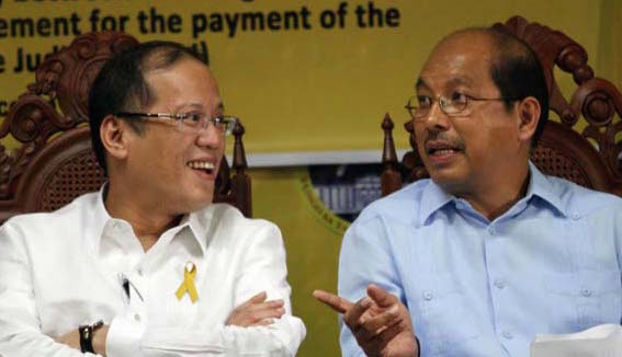 LP. President Aquino with Budget Secretary Butch Abad, his party mate in the Liberal Party. File photo by Malacau00c3u00b1ang Photo Bureau