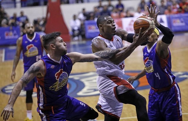 SCORING MACHINE. Justin Brownlee ties his career-high 46 points to help Barangay Ginebra edge Magnolia. Photo from PBA Images