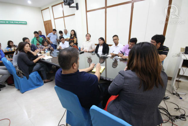 ROUNDTABLE DISCUSSION. Election watchdogs hold a roundtable discussion with Commission on Election Chairman Andres Bautista on October 1, 2015, to discuss voters' registration issues. Photo by Joel Leporada/Rappler