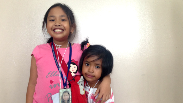 A FIGHTING CHANCE. Aileen's children, Sarah (L) and Shekinah (R), also attended the UNA launch. Photo by Mara Cepeda/Rappler